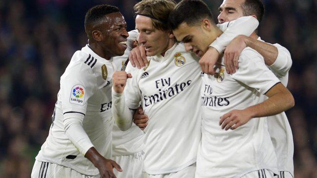 Real Madrid mengambil sebuah keputusan besar dan berani dengan melepaskan salah satu pemain bintangnya, Cristiano Ronaldo pada musim panas lalu