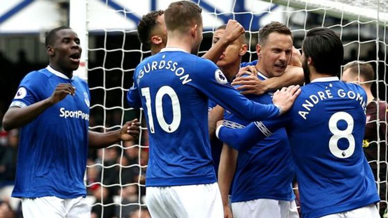 Arsenal Takluk di Markas Everton