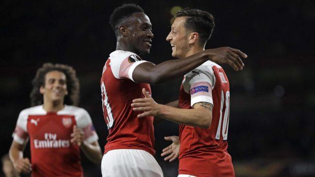 Mesut Ozil melalui pihak agennya, Erkut Sogut memastikan kalau kliennya akan tetap berkarir dan bertahan di Arsenal